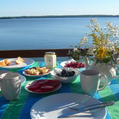 lake view breakfast
